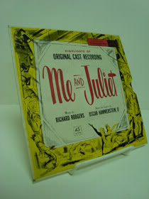 Highlights from Me and Juliet (Original Cast Recording, 45 RPM EP Record), Bigley, Isabel; Hayes, Bill; Mark Dawson and His Chorus; Arthur Maxwell and Singers
