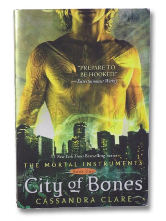 City of Bones (The Mortal Instruments), Clare, Cassandra