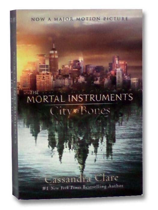 City of Bones: Movie Tie-in Edition (The Mortal Instruments), Clare, Cassandra